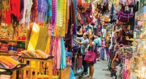 Tailandia---Compra-en-el-mercado-de-fin-de-semana-de-Chatuchak