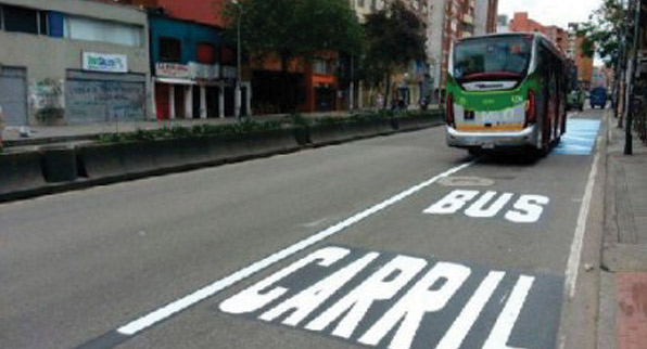 Carril exclusivo por la 15