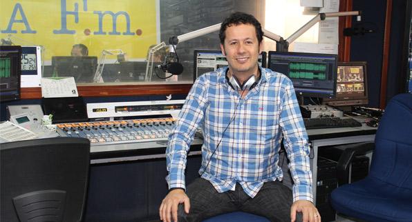 Alejandro Villalobos, locutor