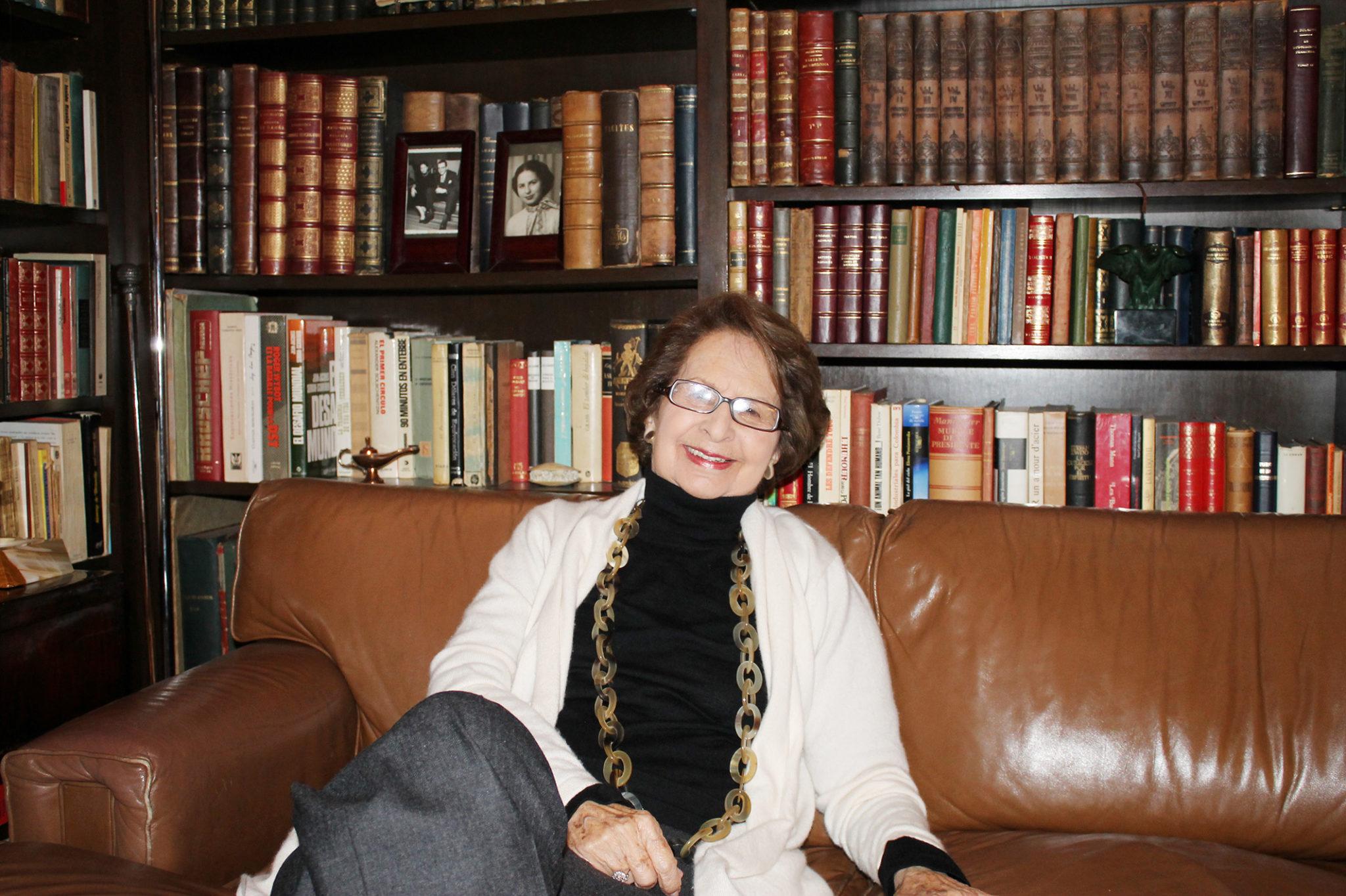 Emma Araújo de Vallejo, Museóloga y experta en Arte