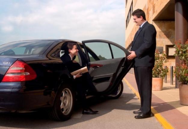 Renta de automóviles y servicio de chofer para extranjeros