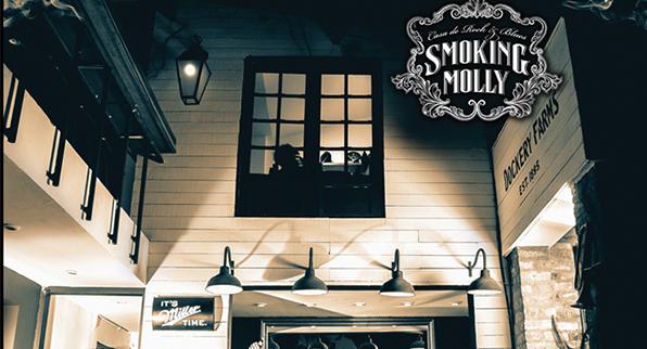 SMOKING MOLLY